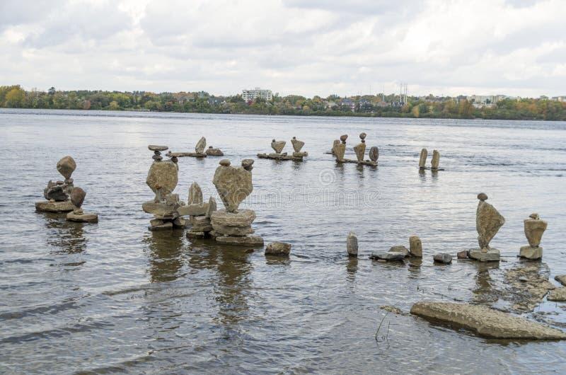 2017 Inukshuks στα ορμητικά σημεία ποταμού 39 Remics στοκ εικόνα με δικαίωμα ελεύθερης χρήσης