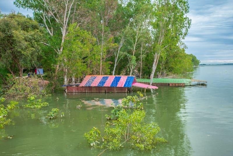 Inundação, catástrofe natural, chuva, chuva torrencial, casa foto de stock royalty free