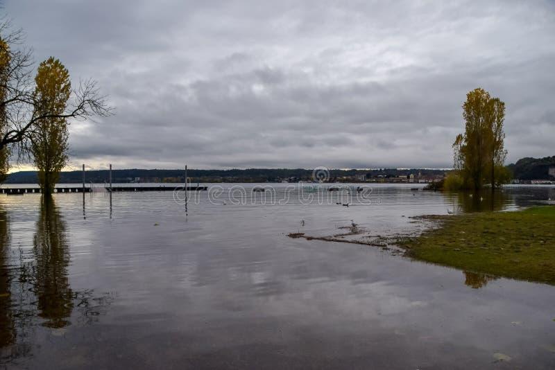 Inundação do lago fotografia de stock