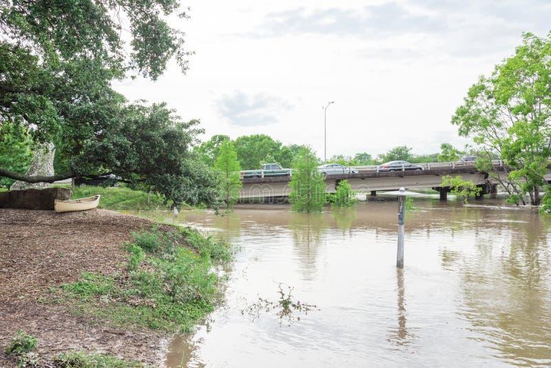 Inundação do respingo do carro imagens de stock
