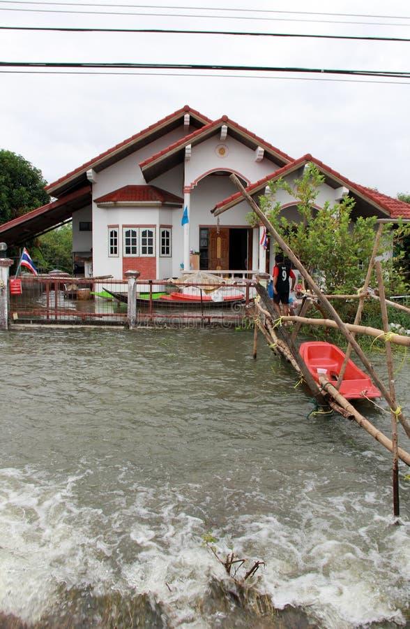 Inundação em Lopburi Tailândia imagens de stock royalty free