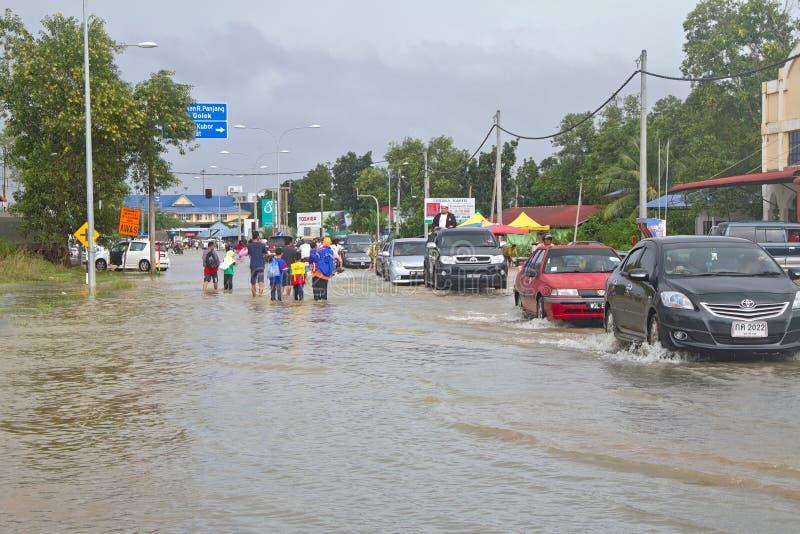 Inundação em Malaysia - beira tailandesa fotografia de stock