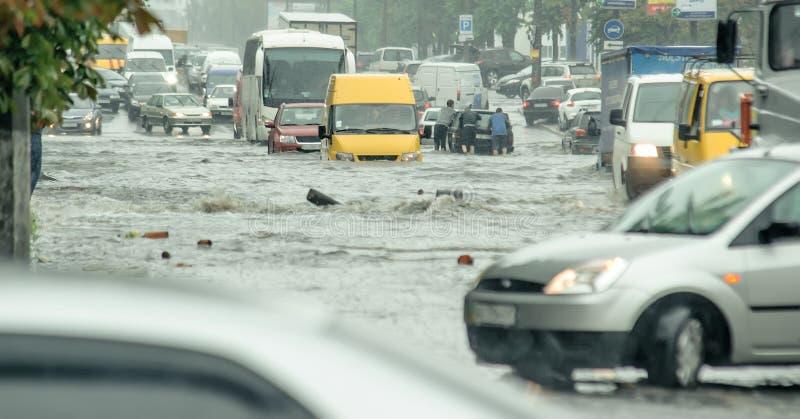 Inundação na cidade foto de stock