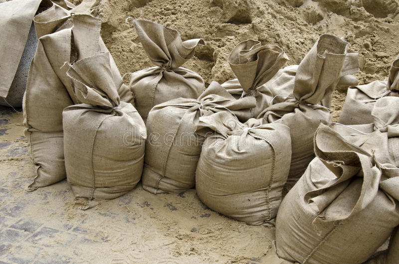 Inundação, os sacos de areia fotografia de stock royalty free