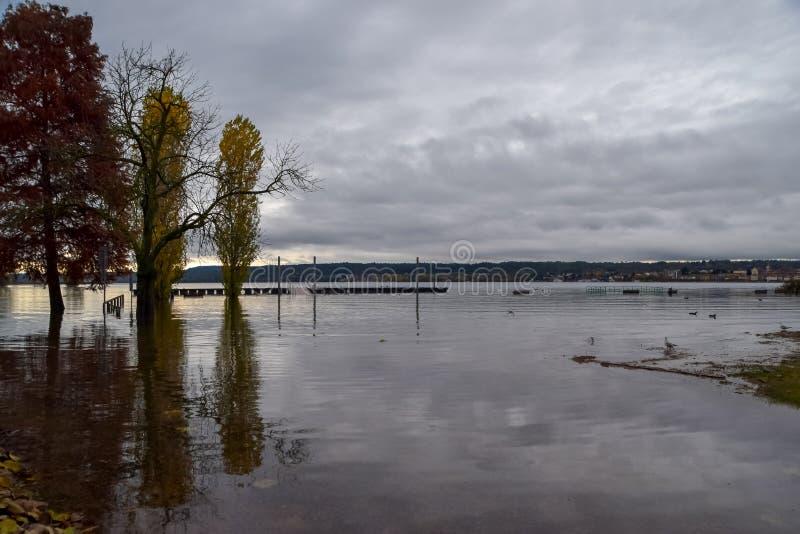Inundación del lago imagen de archivo