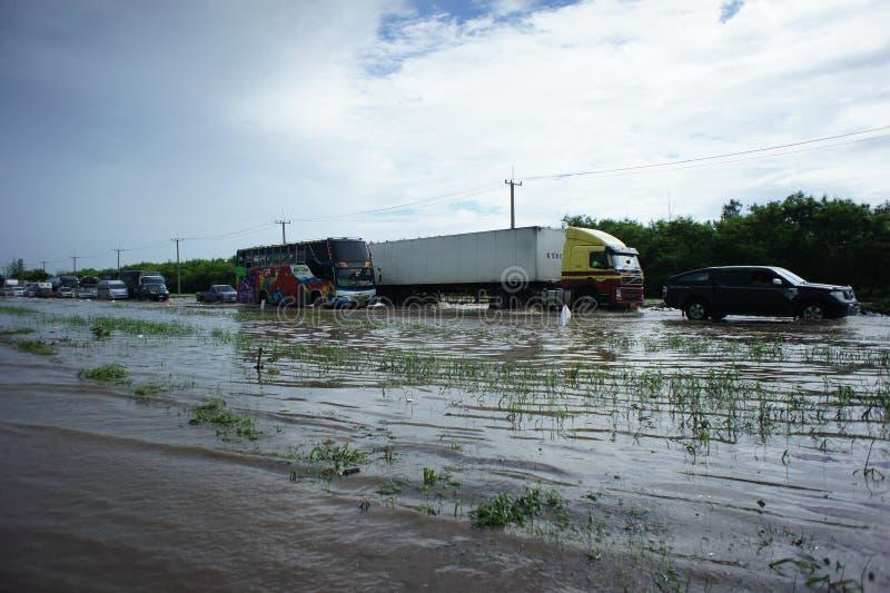Inundación tailandesa en Bangbuathong foto de archivo libre de regalías