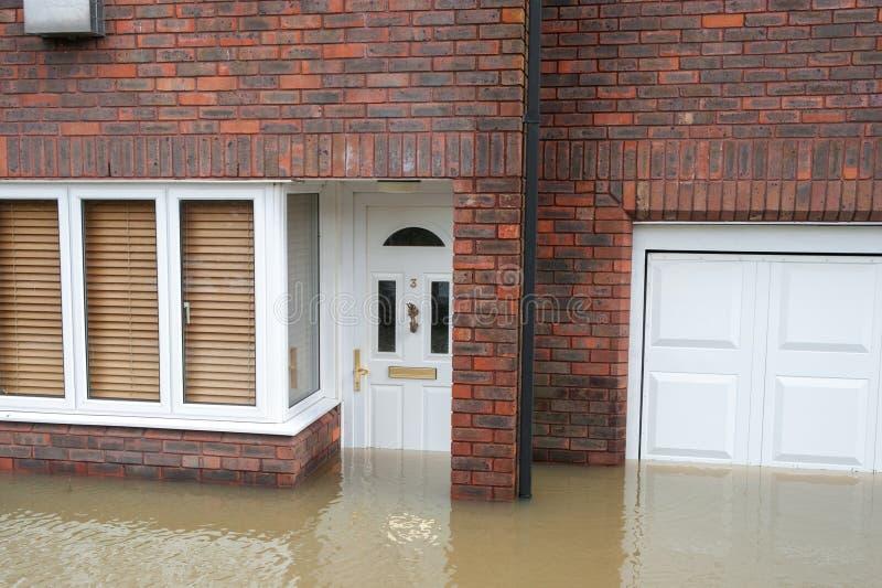 Inundado a casa fotografía de archivo libre de regalías