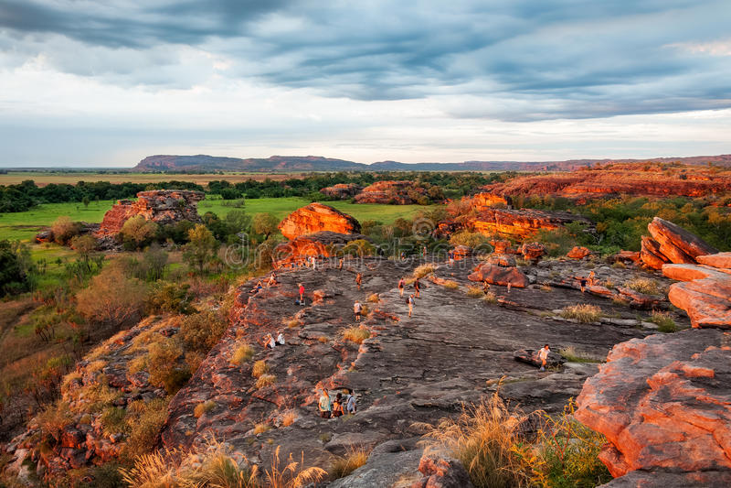 Inundado con la luz de la puesta del sol en la roca de Ubirr - Territorio del Norte, Australia fotografía de archivo libre de regalías
