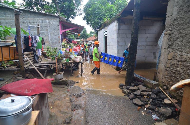 Inundado poca calle en Jakarta foto de archivo