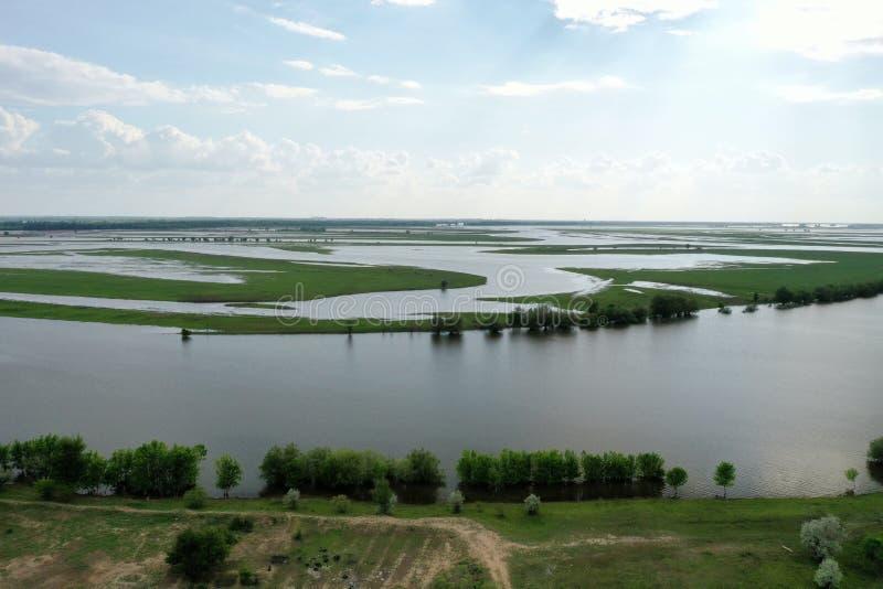 Inundando no delta de Volga, Rússia foto de stock