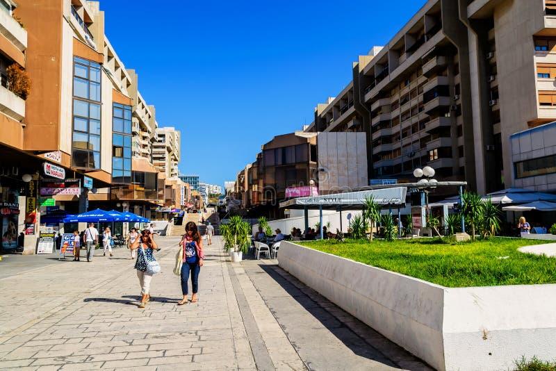 Invånare och byggnader i nyare del av splittring i Kroatien arkivfoto