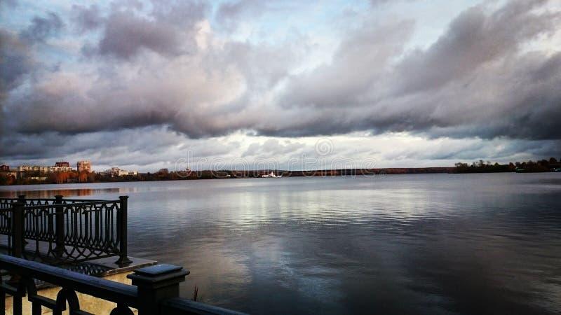 Invallning av floden Tagil arkivfoton