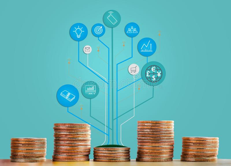 Inventa o growht mostrando infographic da pilha e da árvore do negócio e do comércio O conceito de economias do crescimento, as f imagem de stock