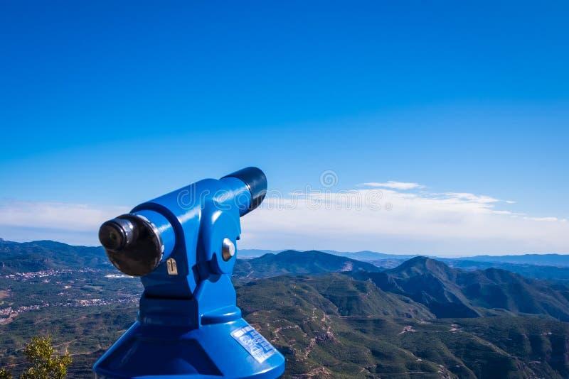 Inventor de vista no monastério de Monserrate na montanha em Barcelona, Ca imagens de stock