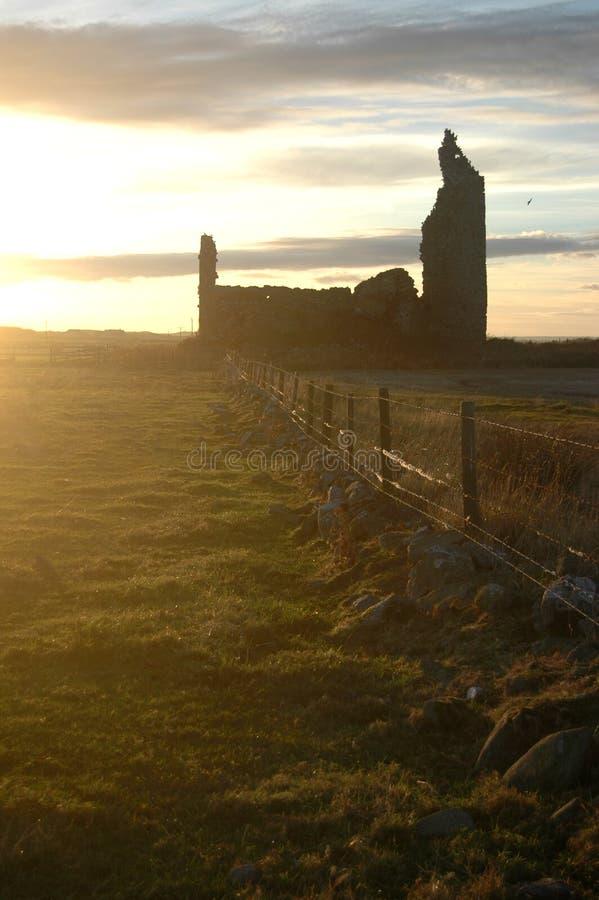 Inverallochy slott på solnedgången royaltyfri bild