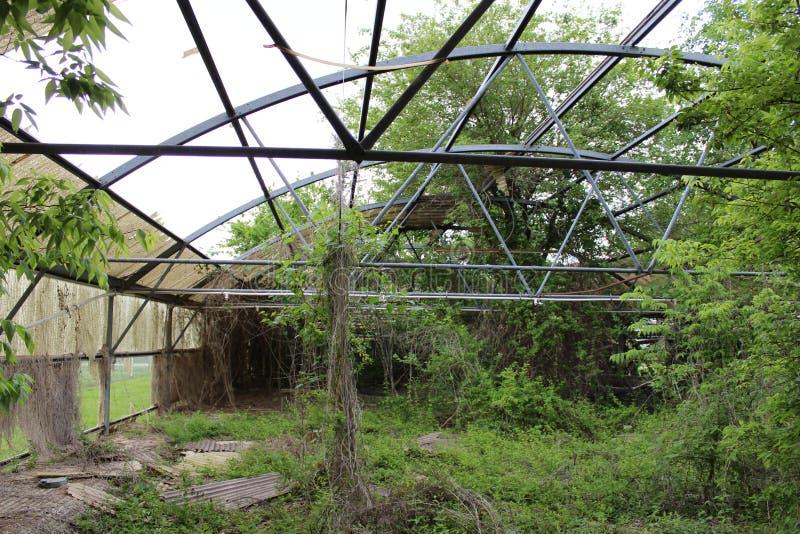 Invernadero abandonado en la flecha quebrada, Oklahoma 1 imagen de archivo