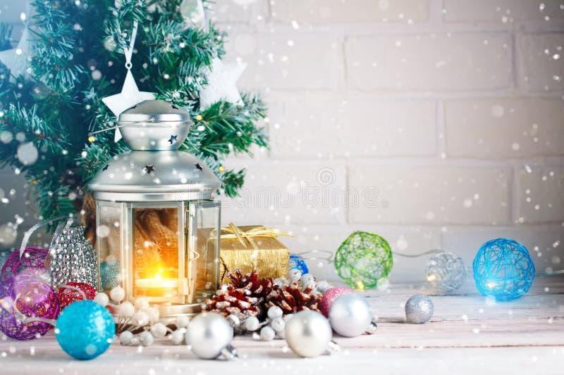 Inverno background Giocattoli del ` s del nuovo anno Nuovo anno felice e Buon Natale immagine stock libera da diritti