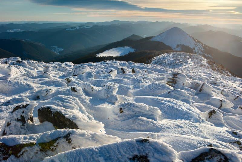 Inverno Carpathians imagens de stock