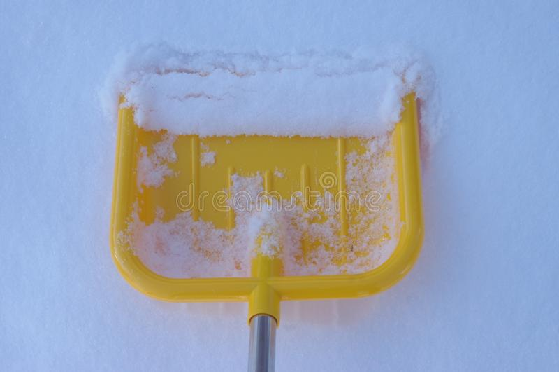 inverno da neve da pá fotografia de stock