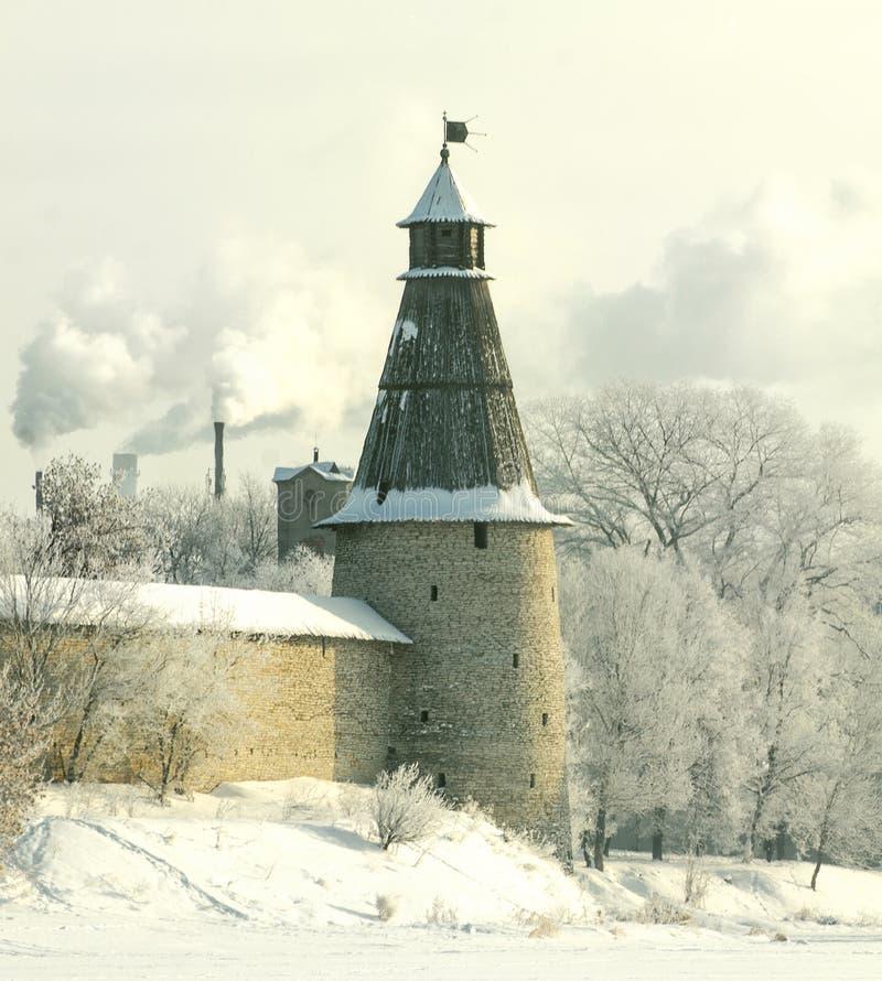 inverno 2017 da torre de Pskov imagem de stock