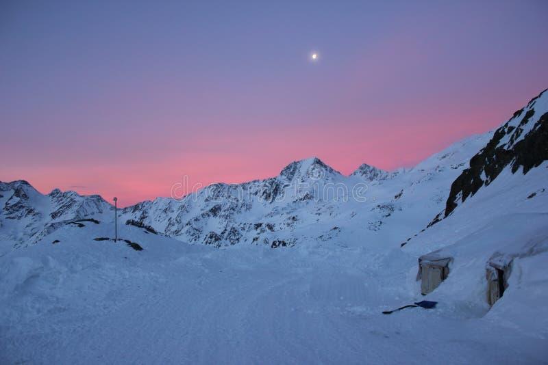 Inverno del rifugiato di Val Senales in Italia fotografia stock