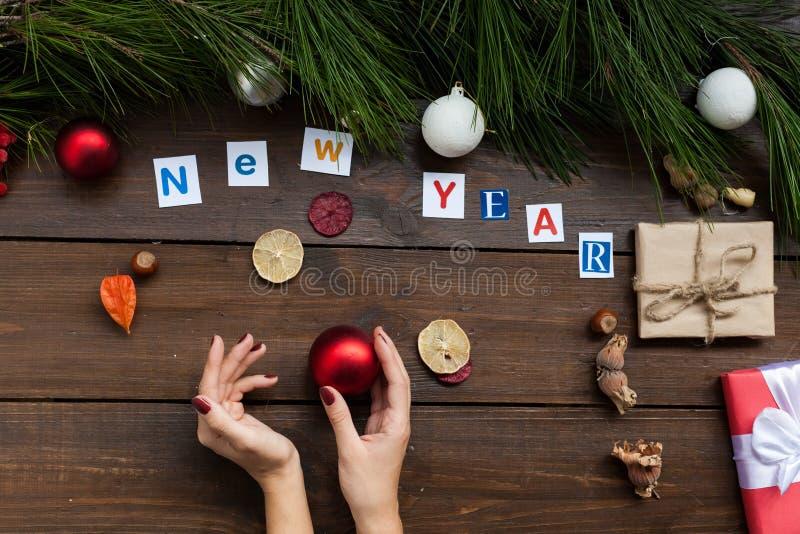Inverno della cartolina di festa del nuovo anno dei regali di Natale del fondo di Natale immagine stock