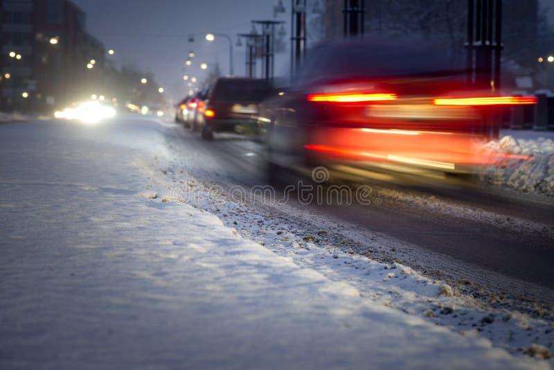Inverno di sera raffic fotografia stock
