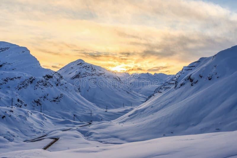 inverno em Julier - passagem fotos de stock