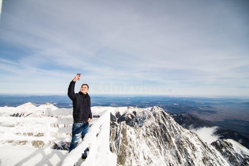 inverno em montanhas altas de Tatras foto de stock