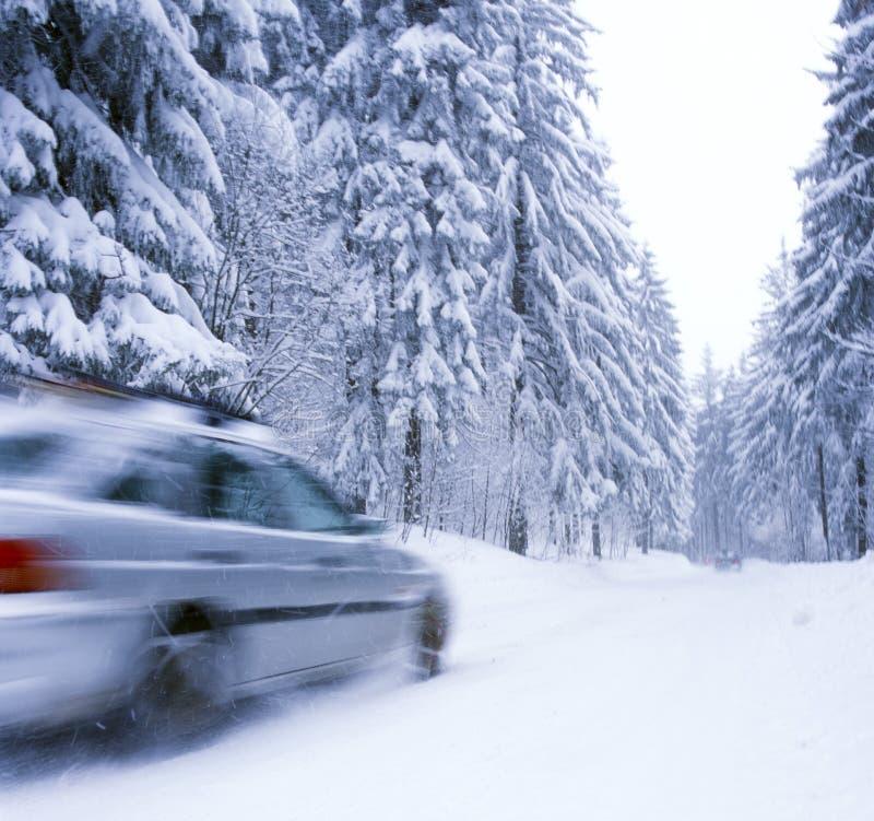 Inverno nas estradas fotos de stock royalty free