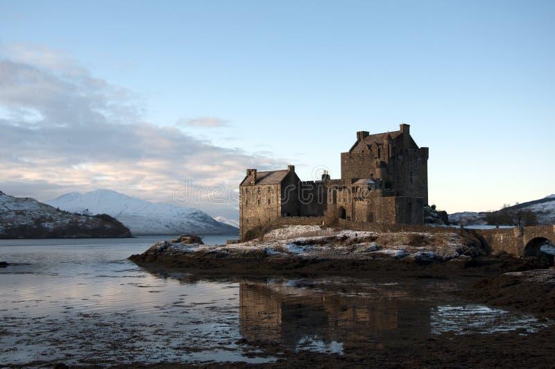 Inverno no castelo de Eilean Donan imagem de stock
