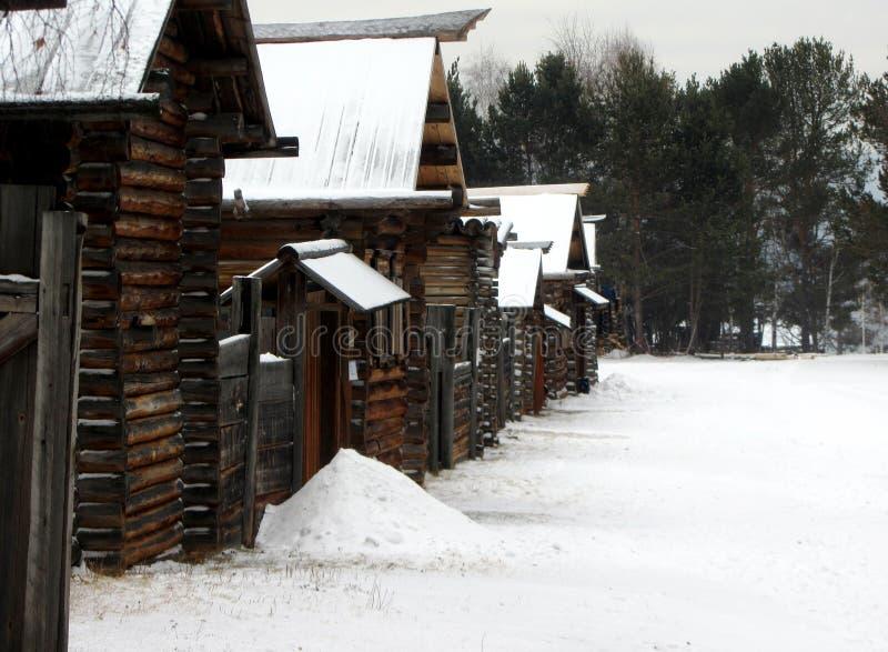 Inverno in villaggio russo fotografia stock