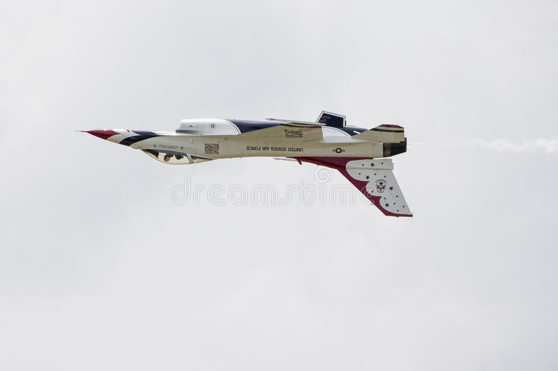 Download Inverted Thunderbird Jet Over Tinker Air Force Base Editorial Image - Image: 43120305