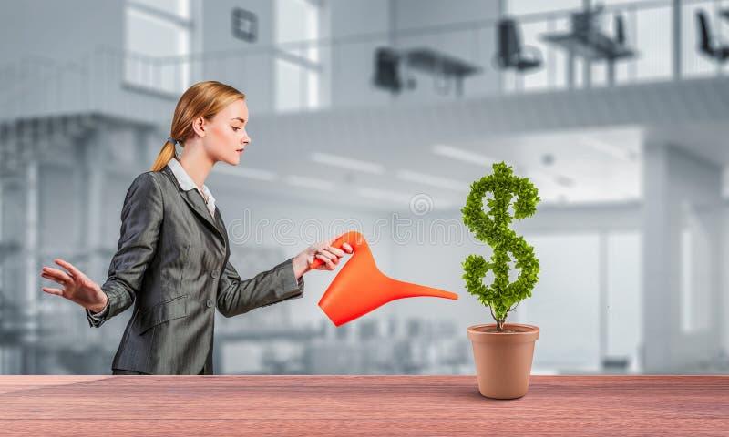 Investeer om uw inkomens te verhogen Gemengde media stock afbeeldingen
