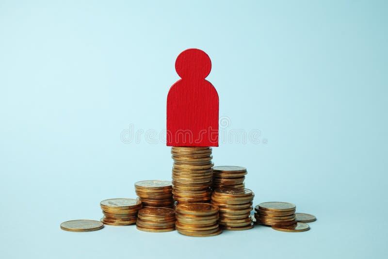 Investeer in pensioen, geldbetaling Sparen contant geld De groeipensionering stock foto's