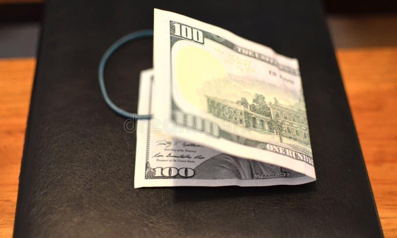 Investering, financieel, schenkingsconcept, of steekpenning, corruptieconcept De dankbaarheid van de vooruitbetalingsdienst royalty-vrije stock afbeelding