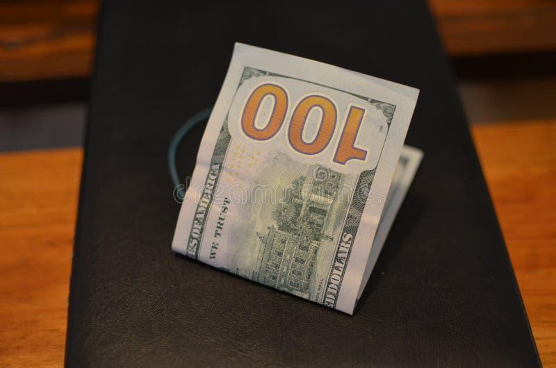 Investering, financieel, schenkingsconcept, of steekpenning, corruptieconcept De dankbaarheid van de vooruitbetalingsdienst stock afbeeldingen