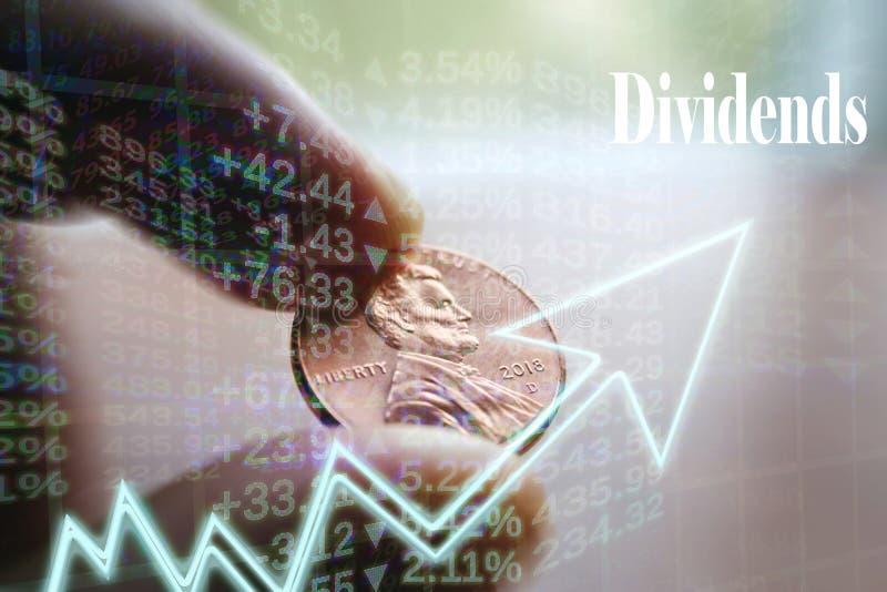 Investeringutdelningbegrepp med Penny In Hand High Quality royaltyfria bilder