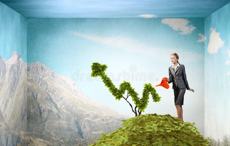 Investieren Sie, um Ihre Einkommen zu erhöhen Gemischte Medien stockfoto