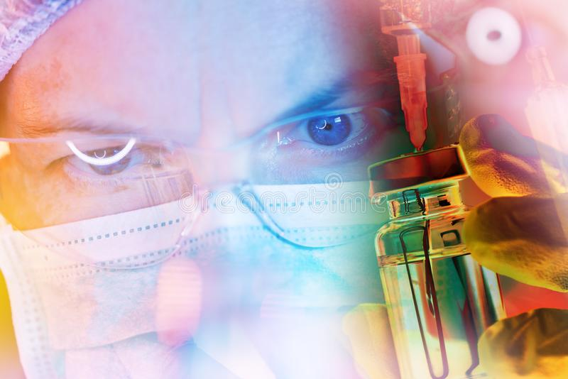 Investigador de la ciencia de la farmacología que trabaja en laboratorio imágenes de archivo libres de regalías
