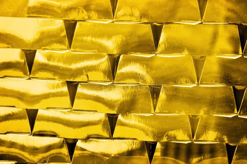 Investimento dos tijolos do ouro fotos de stock royalty free