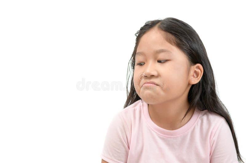 Invidia asiatica di espressione del fronte della ragazza del bambino, geloso isolato immagine stock libera da diritti