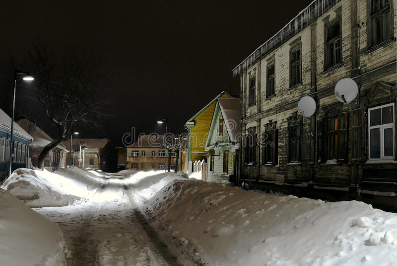 Invierno, calle vieja en Jelgava /Latvia/ foto de archivo libre de regalías