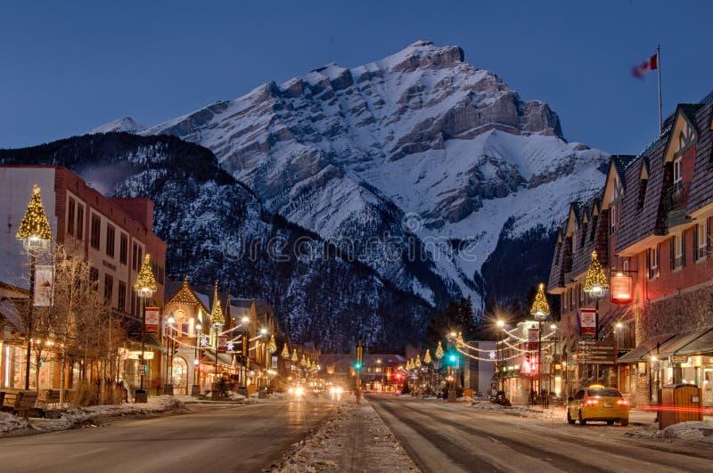 Invierno de la ciudad de la montaña de Banff imágenes de archivo libres de regalías