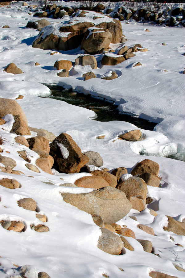Download Invierno De Nueva Inglaterra Imagen de archivo - Imagen de escarchado, cubo: 1298513