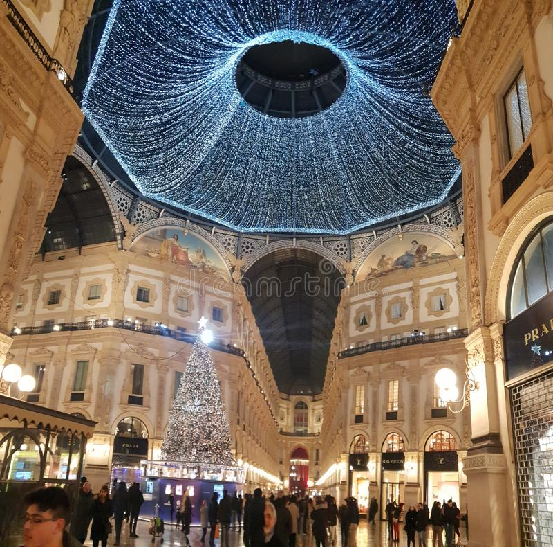 Invierno del árbol de navidad de Milano de los di del duomo de Manuel del vittorio del Galleria imágenes de archivo libres de regalías