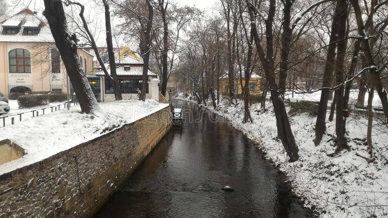 Invierno del río de Praga imágenes de archivo libres de regalías