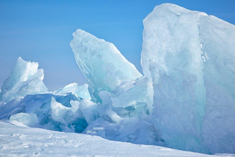 Invierno el lago Baikal imagenes de archivo