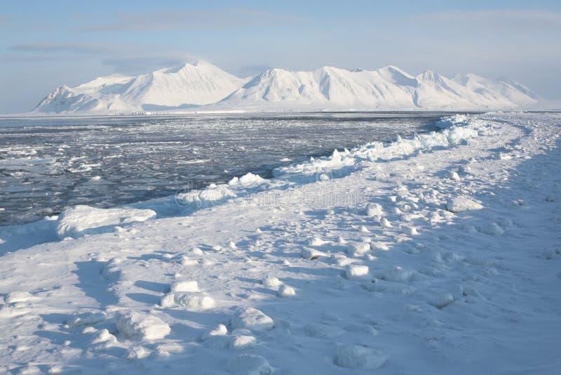 Invierno en el ártico - paisaje foto de archivo libre de regalías