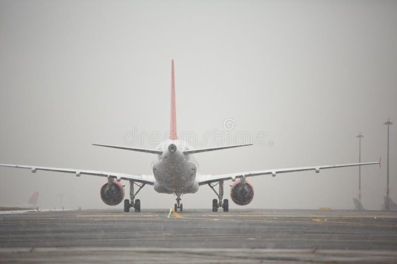 Invierno en el aeropuerto imagenes de archivo